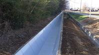 水路補修工事完了しました。