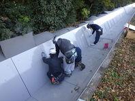 今年も施工中、水路補修工事です。