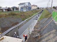 今年の水路は断面が大きいです!